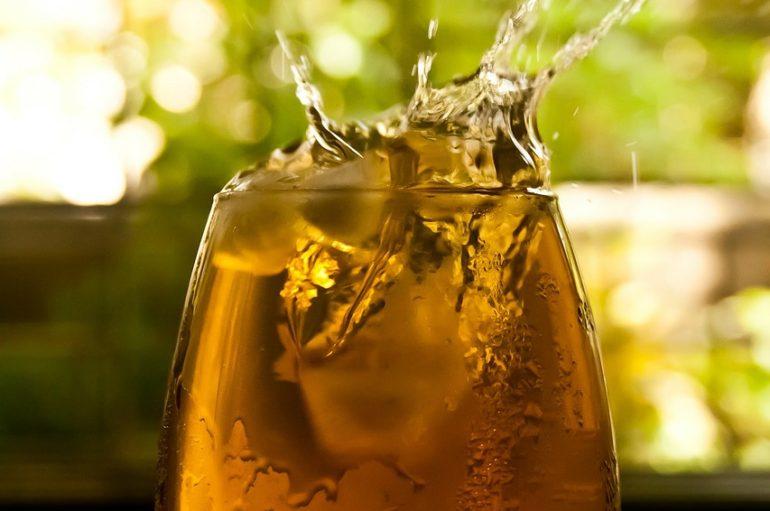 ¿Por qué debes beber té? Receta de té helado con melón, limón y menta