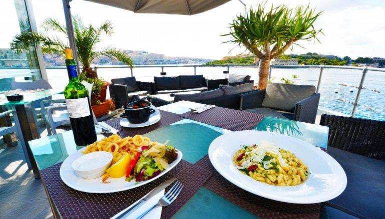 Vive Malta:The Terrace el balcón de La Valeta al mar