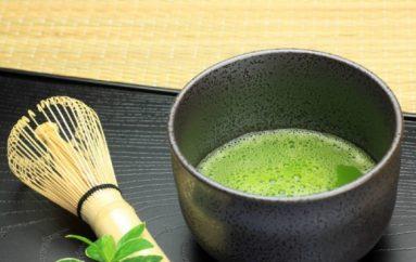Matcha: un vaso de té Matcha tiene las mismas propiedades que 10 tazas del normal