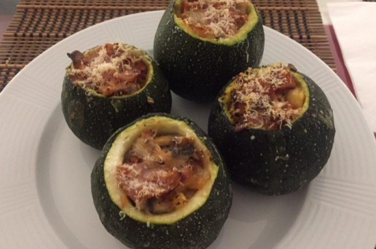 Calabacín relleno de verduras