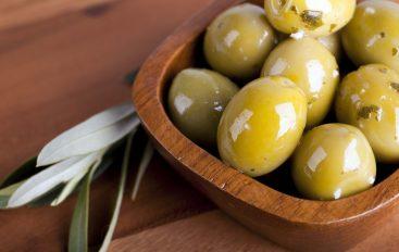 Aceitunas aliñás a la española y al estilo maltés: Zebbug mimli, ¡buenísimas!