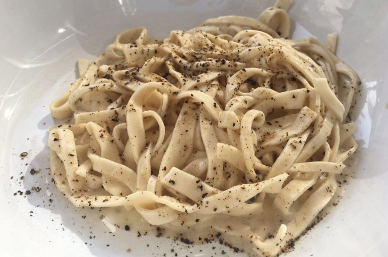 Aprende a hacer la pasta Cacio e Pepe como un italiano de verdad, Video-receta